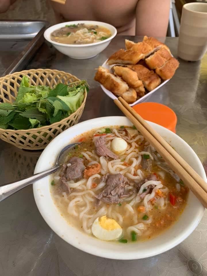 Cháo canh - Bánh mỳ chảo Thiên Hương
