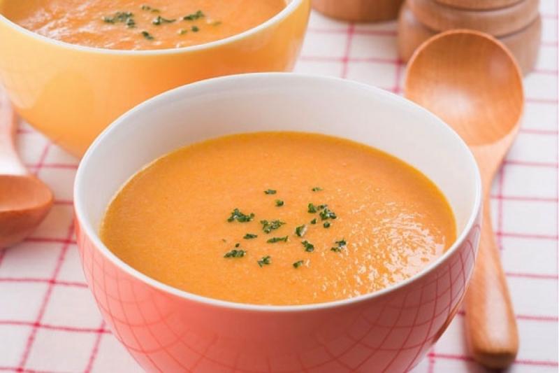 Cháo cua bí đỏ là một trong những cách nấu cháo dinh dưỡng cho bé hấp thu tốt