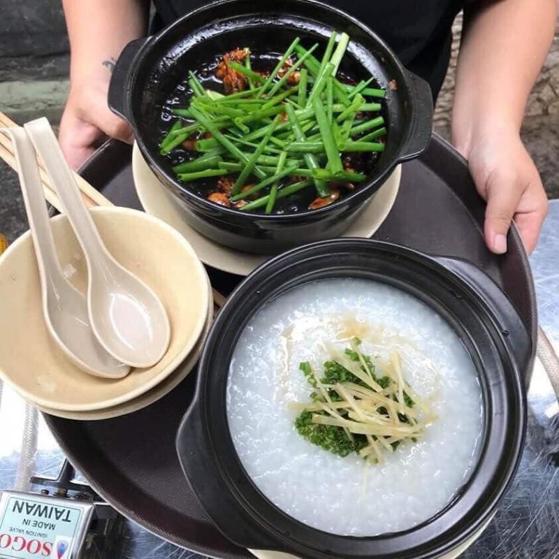 Cháo Ếch Singapore SIN là một gương mặt quen thuộc đối với tín đồ ẩm thực Sài Gòn
