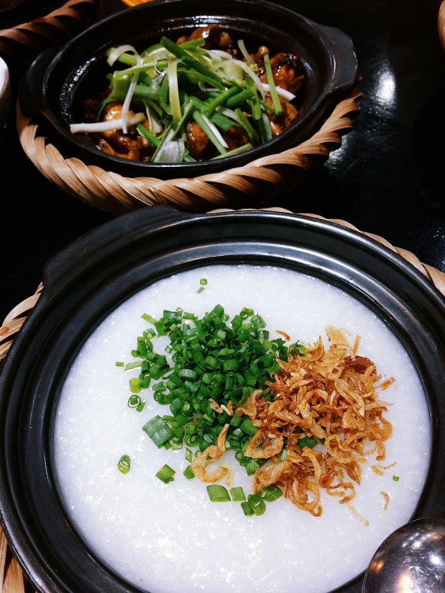 Cháo ếch Singapore 151 có thể là lựa chọn cho bữa sáng, trưa, chiều và cả tối