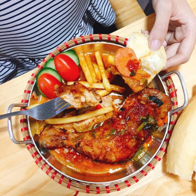Một số hình ảnh về món chảo gà của quán