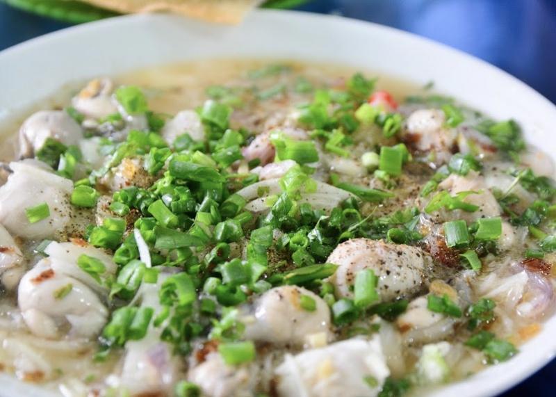 Món cháo hàu nhon lành, hấp dẫn thực khách bốn phương đến với Phú Yên