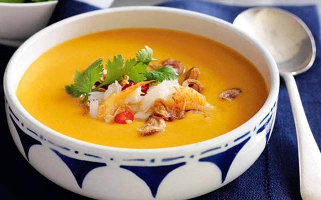 Chất đạm trong lươn và vitamin A trong cà rốt sẽ là những gì bé cần để phát triển thế chất