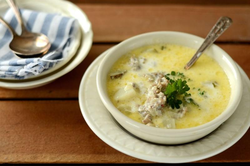 Khi kết hợp khoai tây với thịt bò, bạn sẽ có món cháo dinh dưỡng giàu đạm và vitamin cho bé.