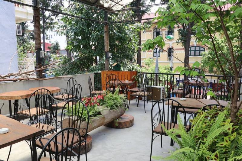 Charme Cafe Hanoi