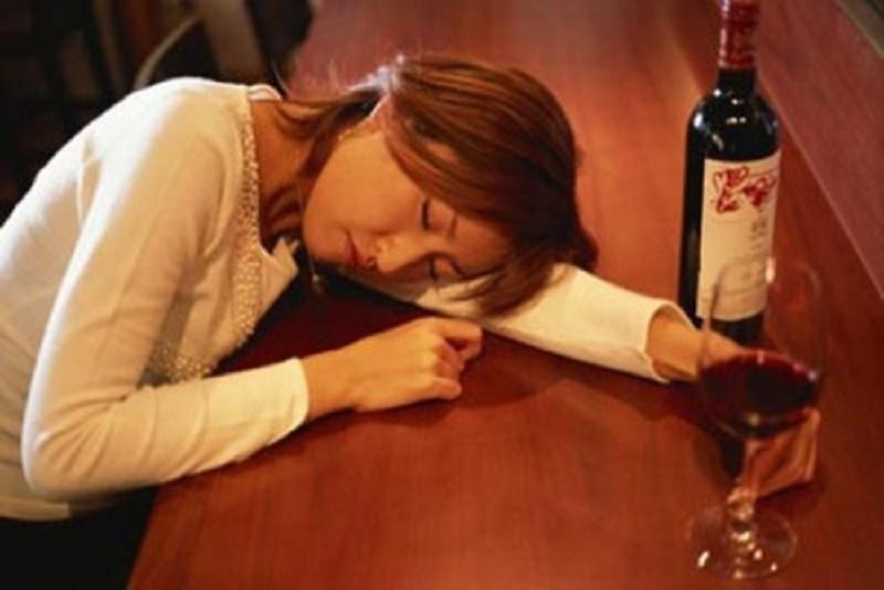 Rượu bia sẽ làm mất đi đáng kể lượng vitamin B trong cơ thể