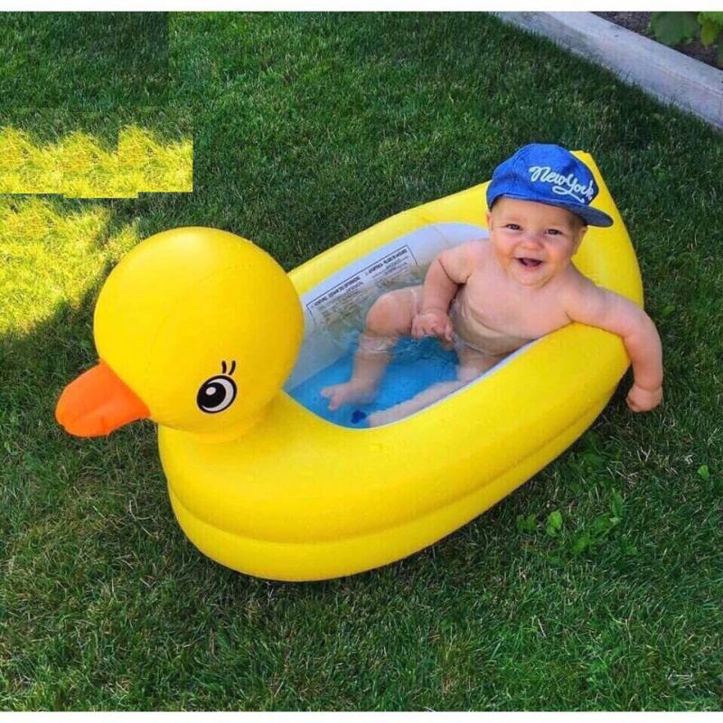 Chậu tắm phao vịt alf món quà vô cùng tuyệt vời dành tặng ngày sinh nhật tròn 1 tuổi của bé trai