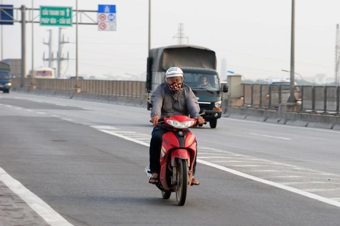 Chạy xe máy vào đường cao tốc