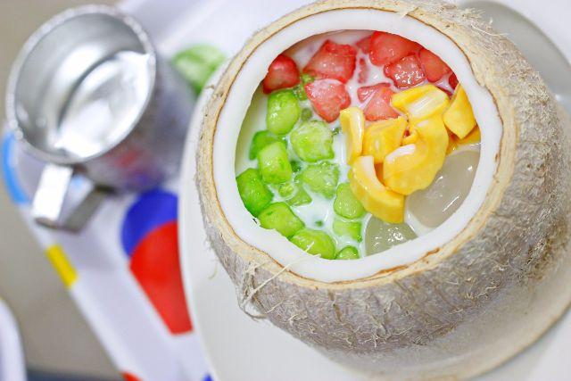 Chè củ năng trái dừa – 30 Hàn Thuyên