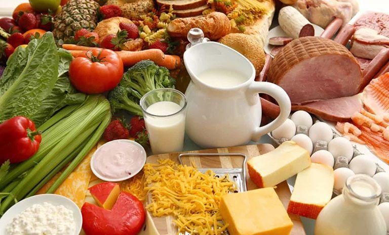 Có chế độ ăn uống hợp lý phòng loãng xương