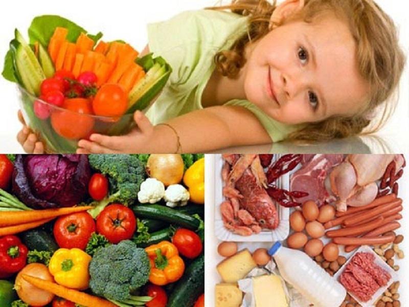 Bổ sung đầy đủ dinh dưỡng cho bé