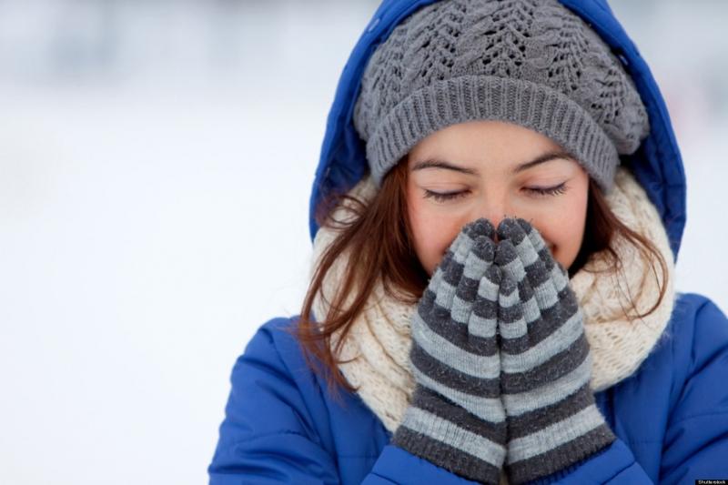 Giữ ấm cho cổ họng và bàn chân