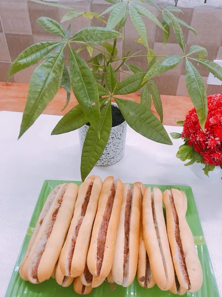 Chè Thái & Bánh Mì Cay - 195 Lê Lợi, địa chỉ mua bánh mì cay ngon nhất Hải Phòng