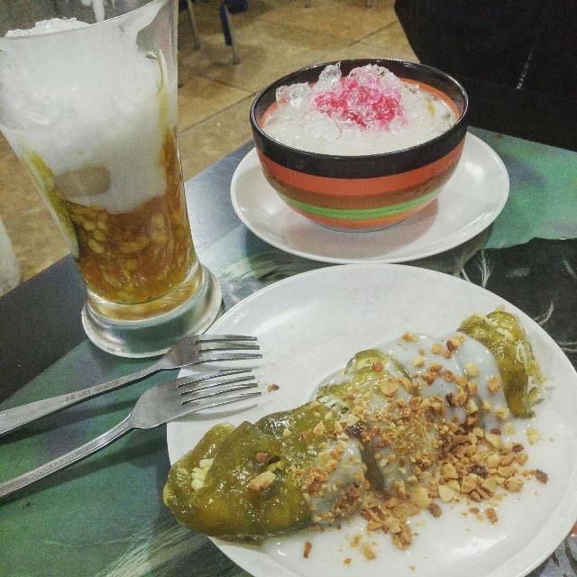Chè bưởi và sữa chua mít tại Chè Thanh Tuyền 57 Nguyễn Chí Thanh