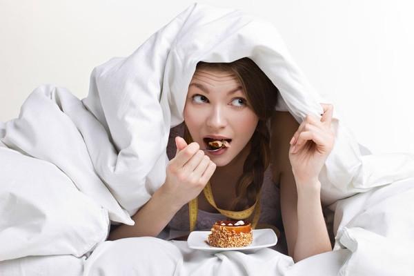 Chỉ nên ăn nhẹ trước khi ngủ