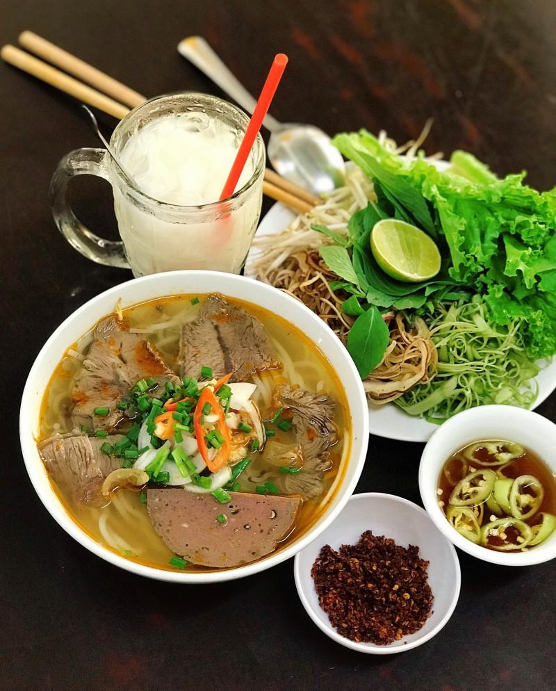 Chị Hà - Bún Măng Vịt, Bún Riêu, Hủ Tiếu & Bún Bò