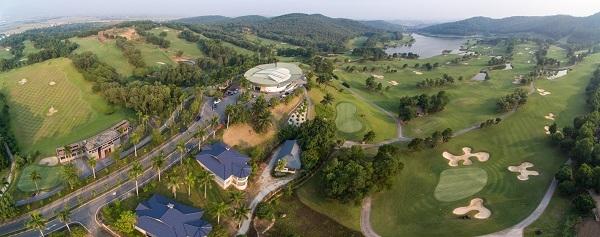 Toàn cảnh sân golf Chí Linh nhìn từ trên cao