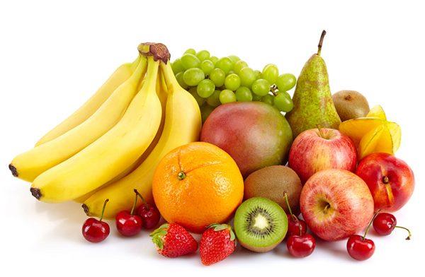 Người giảm cân chỉ nên ăn những loại quả ít ngọt và giàu chất xơ như cam, chanh, cà chua và ớt chuông.
