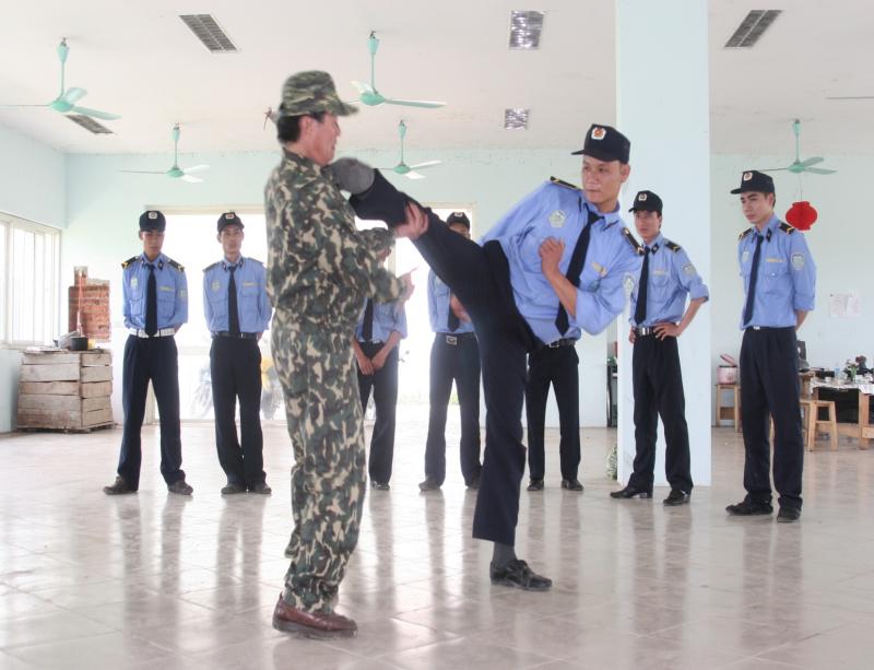 Đội ngũ nhân viên được lựa chọn kĩ lưỡng, trải qua thời kỳ huấn luyện
