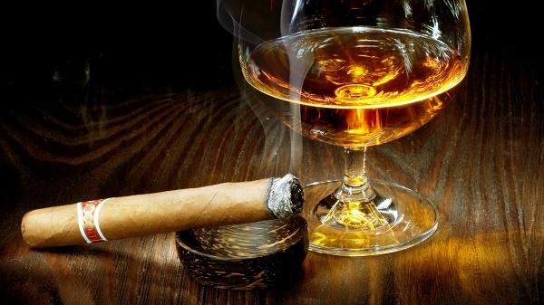 Uống rượu và hút thuốc ảnh hưởng đến chất lượng tinh binh