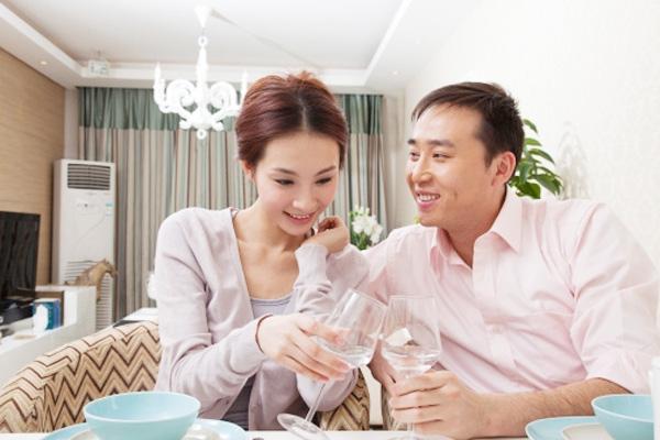 Hãy chia sẻ với vợ về cuộc sống của bạn