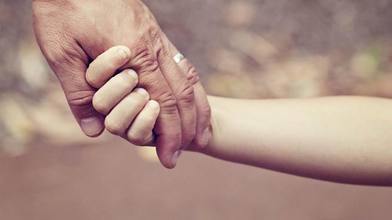Ngày nhỏ, đấng sinh thành bảo bọc, khi trưởng thành hãy ghi nhớ công ơn