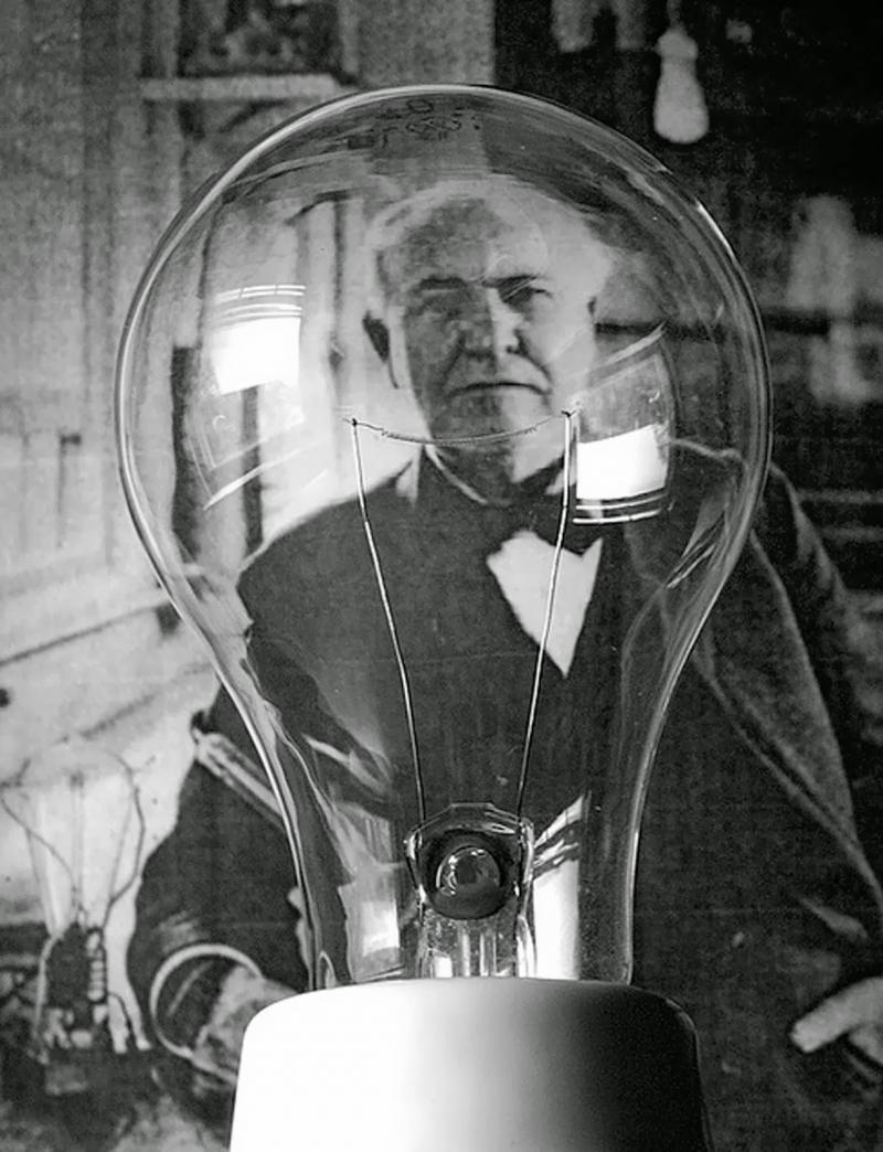 Thomas Edison vẫn luôn được cho là người đã phát minh bóng đèn điện