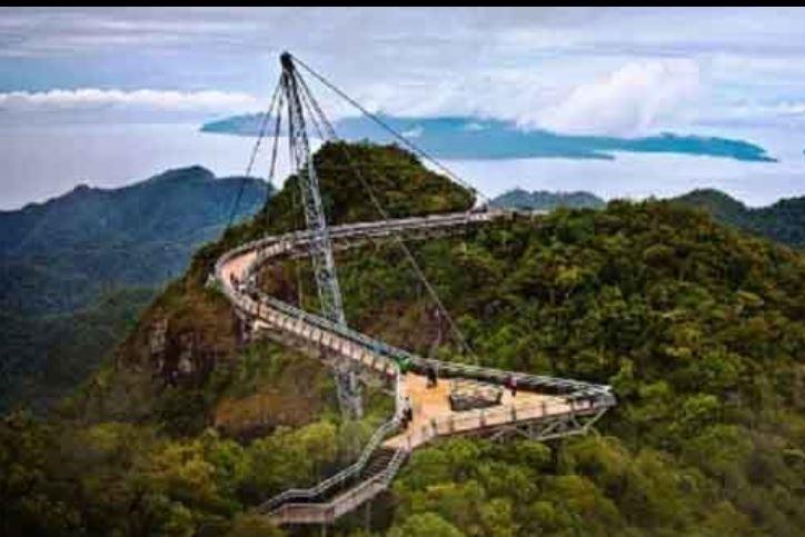 Cầu Langkawi Sky cũng được bình chọn là một trong những chiếc cầu treo kỳ dị nhất thế giới,
