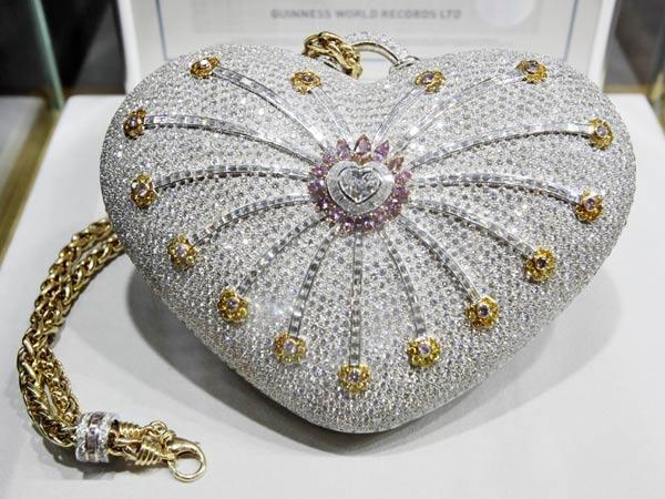Chiếc ví kim cương ngàn lẻ một đêm Mouawad