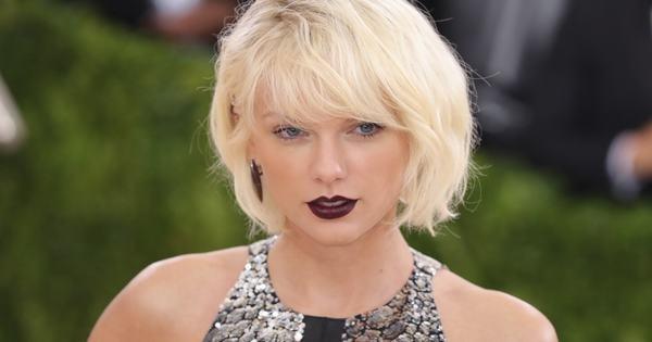 Chiến dịch nhiều năm với mong muốn Taylor Swift follow Twitter của mình