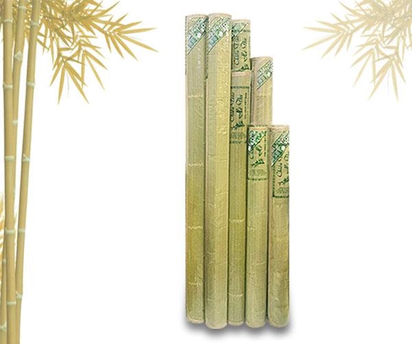 Chiếu trúc Cao Bằng được sản xuất trên dây chuyền hiện đại nhất làm từ những cây tre già nhất vùng núi Cao Bằng với độ bóng đẹp tự nhiên không tẩm ướp hóa chất.