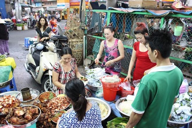 Một góc ẩm thực ở chợ