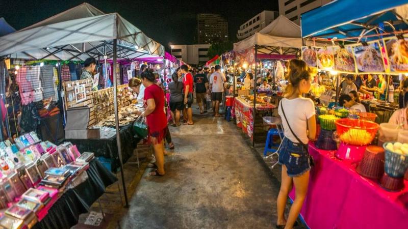 Top 12 chợ đồ si nổi tiếng TP. Hồ Chí Minh