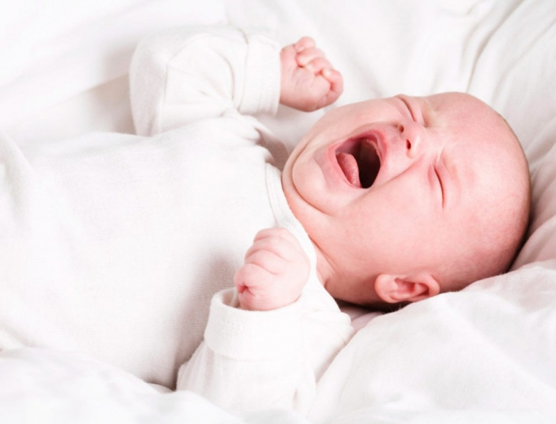 Bé bú lắt nhắt nên ngủ không sâu