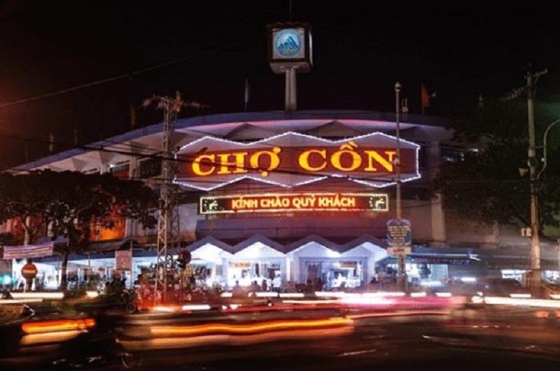 Bạn có thể mua sắm tại chợ Cồn vào ban đêm