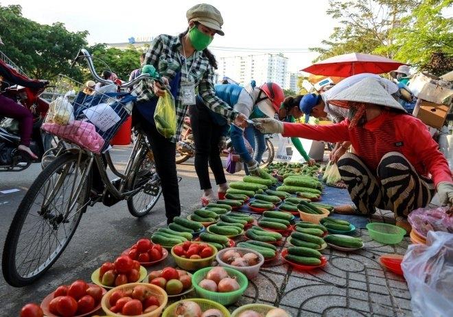Chợ công nhân khu công nghiệp Tân Tạo
