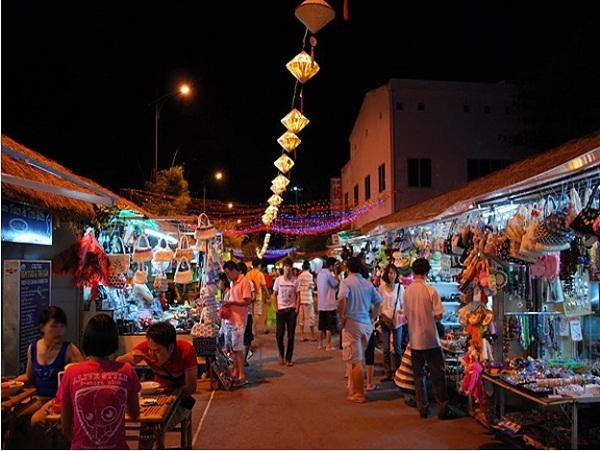 Chợ Đầm Nha Trang về đêm