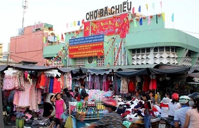 Chợ bà Chiểu ngôi chợ đêm nổi tiếng ở Sài Gòn