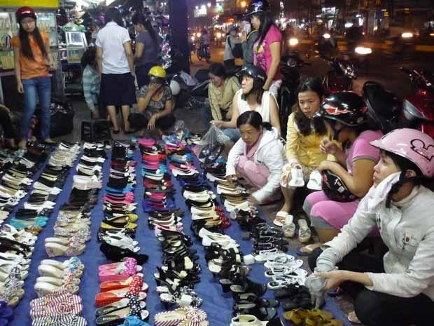 Chợ Đêm Bà Chiểu khu chợ đêm giá rẻ được nhiều chị em tin tưởng