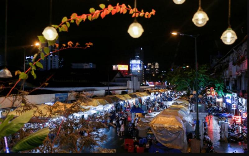 Không gian thơ mộng tại chợ đêm Bến Thành