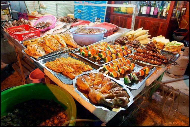 Góc ẩm thực chợ đêm