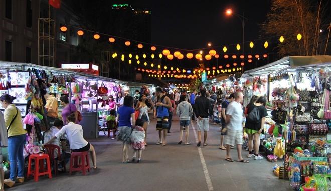 Khu chợ đêm phố cổ