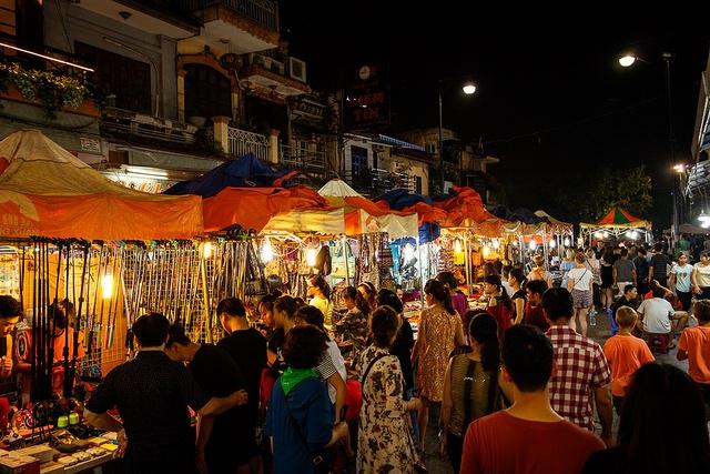 Chợ đêm phố cổ (nguồn internet)