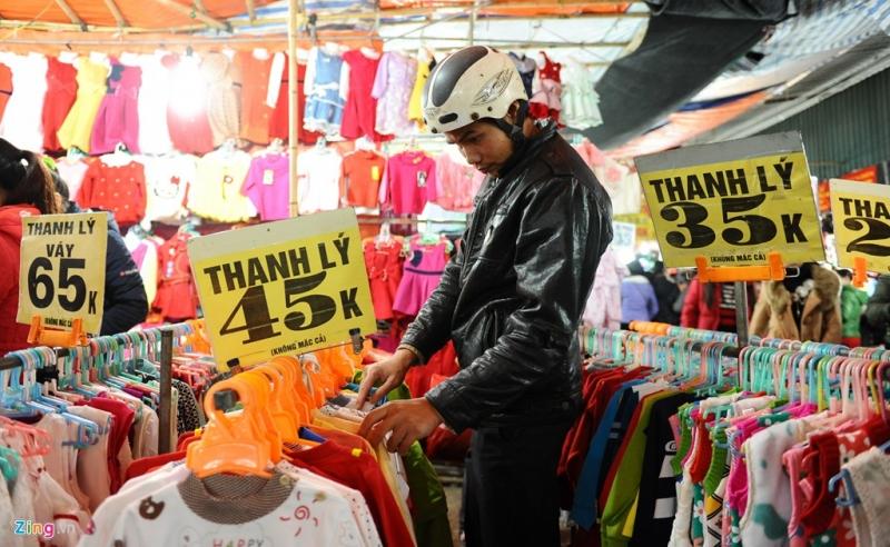 Chợ đêm ở Phùng Khoang