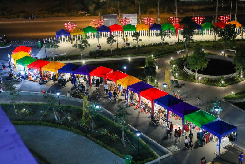 Chợ đêm sinh viên nổi tiếng với các mặt hàng siêu rẻ nhưng vẫn đảm bảo chất lượng