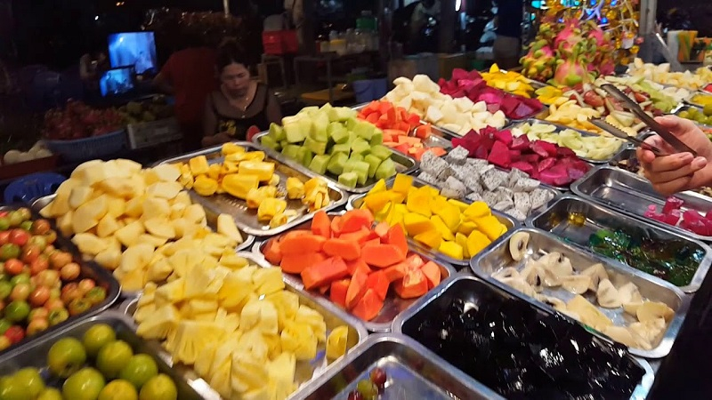 Chợ đêm Trần Phú