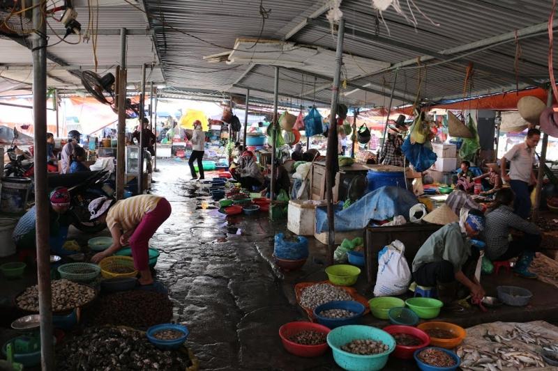 Chợ Hải Sản Cái Dăm - Bãi Cháy
