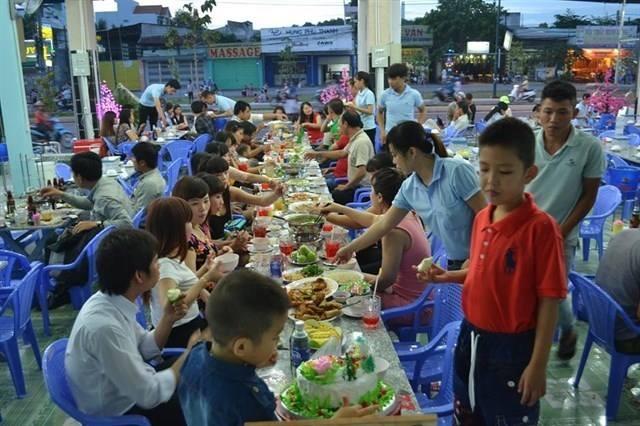 Không những bán hải sản mà Giang ghẹ còn là 1 trong những nhà hàng nổi tiếng o TP HCM