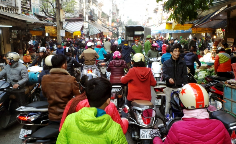 Chợ Hàng Bè vào những ngày gần Tết