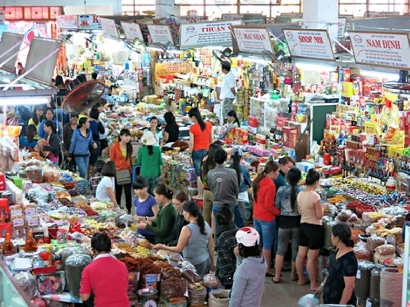 Không gian bên trong chợ Mới